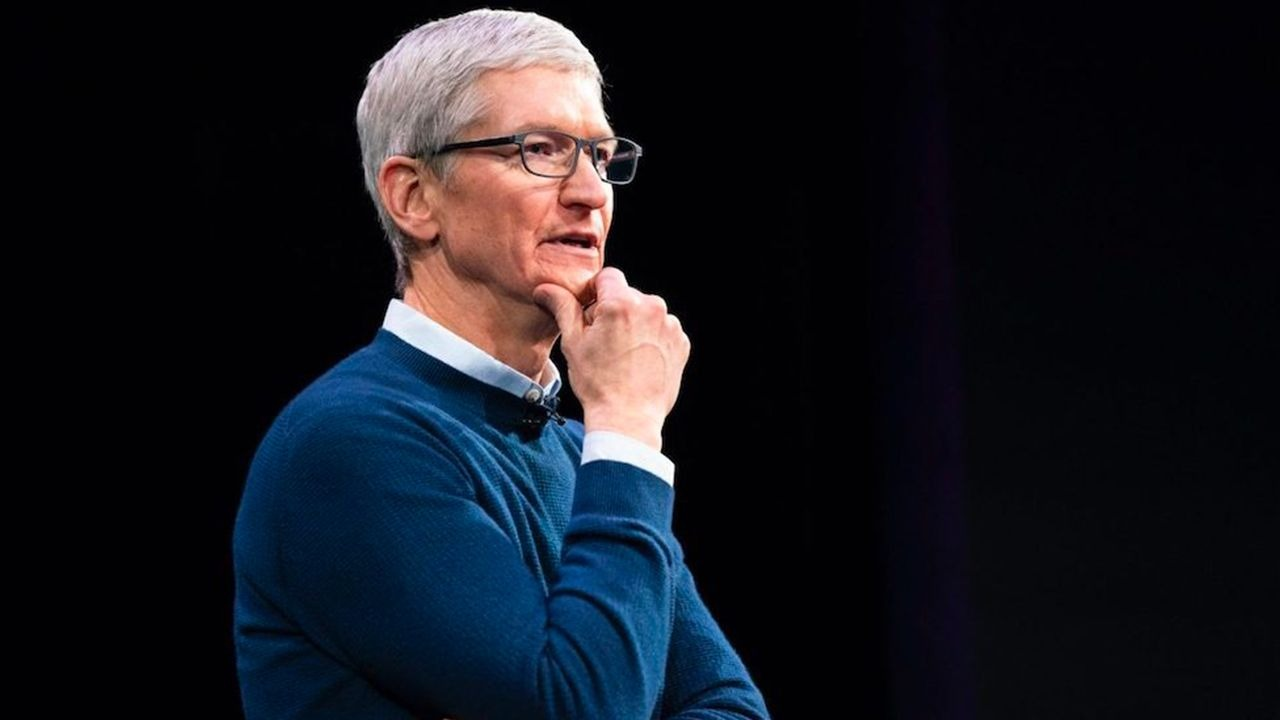 photo of Apple CEO Tim Cook is now a billionaire image