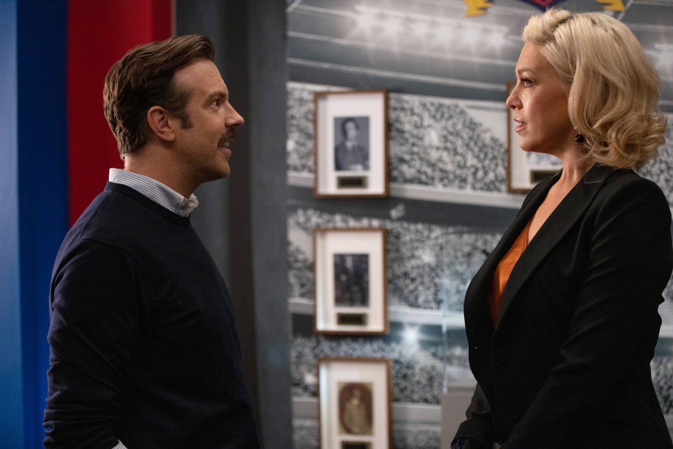 Jason Sudeikis and Hannah Waddingham in