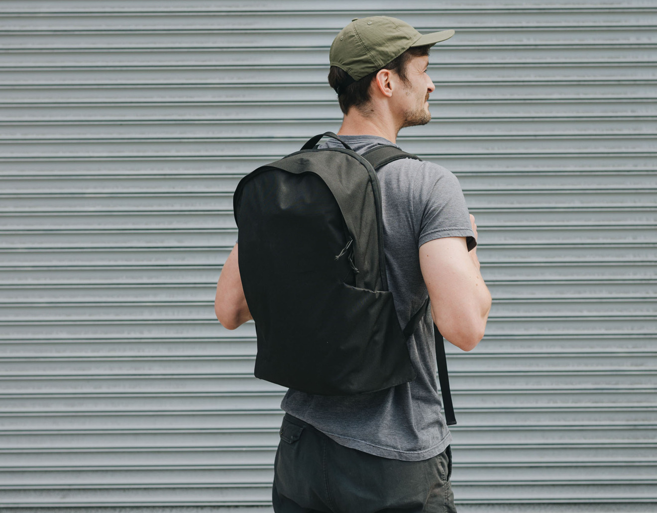 Moment 21L backpack