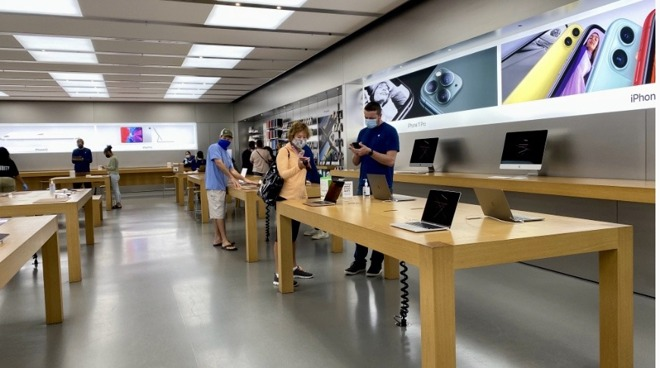Apple customers and employees wearing non-Apple designed masks