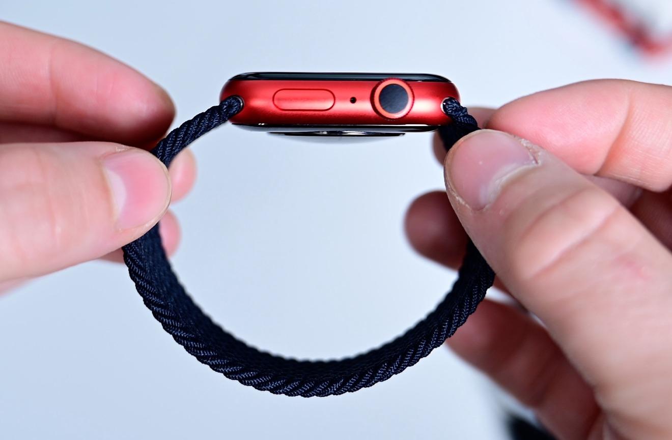 Solo Loop black on Apple Watch Series 6
