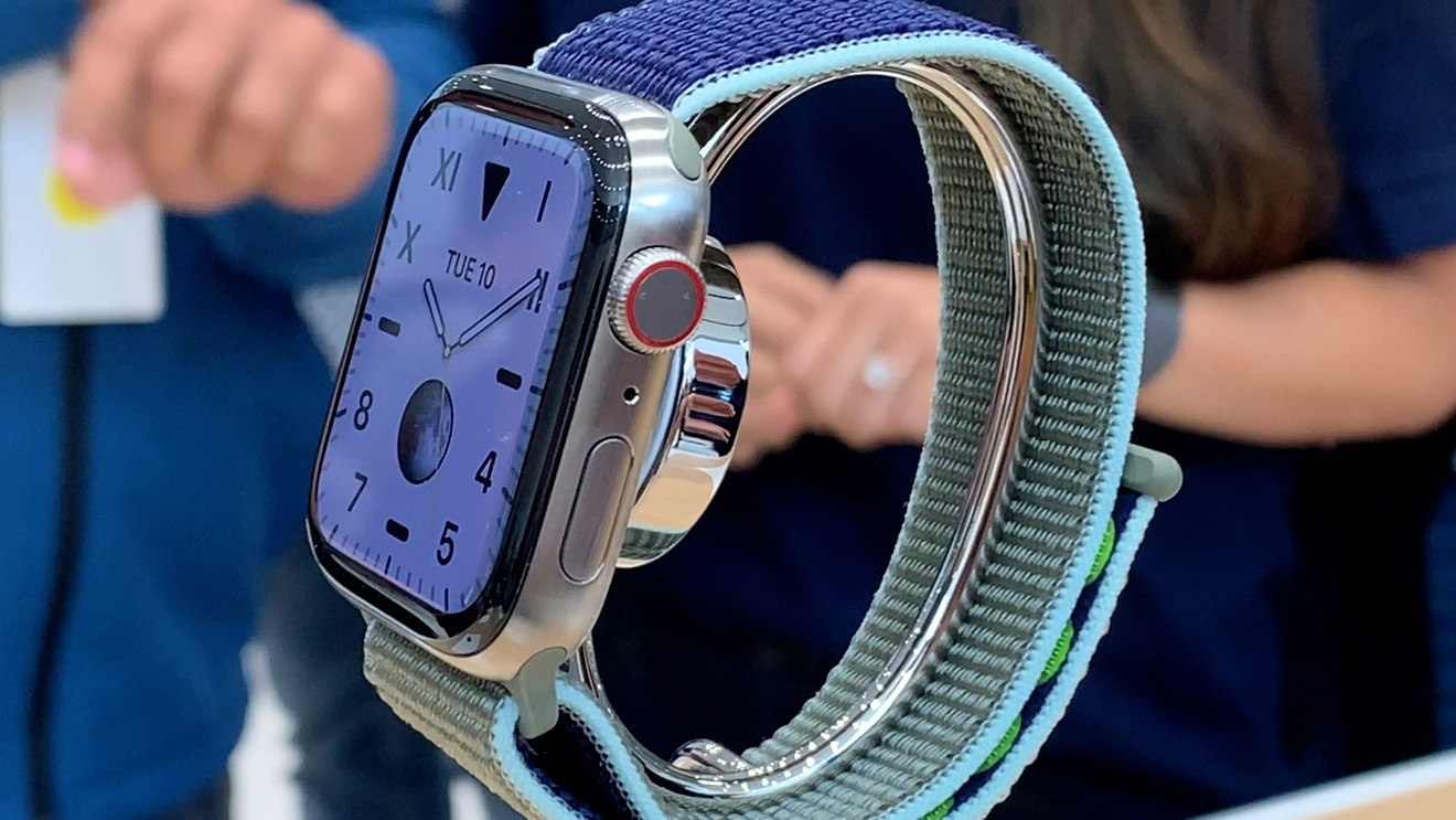 Natural titanium Apple Watch Series 6