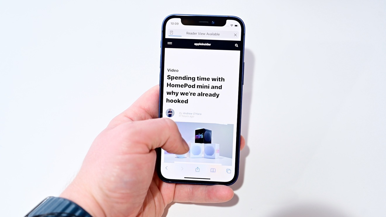 AppleInsider  gave the phone a 4.5 out of 5