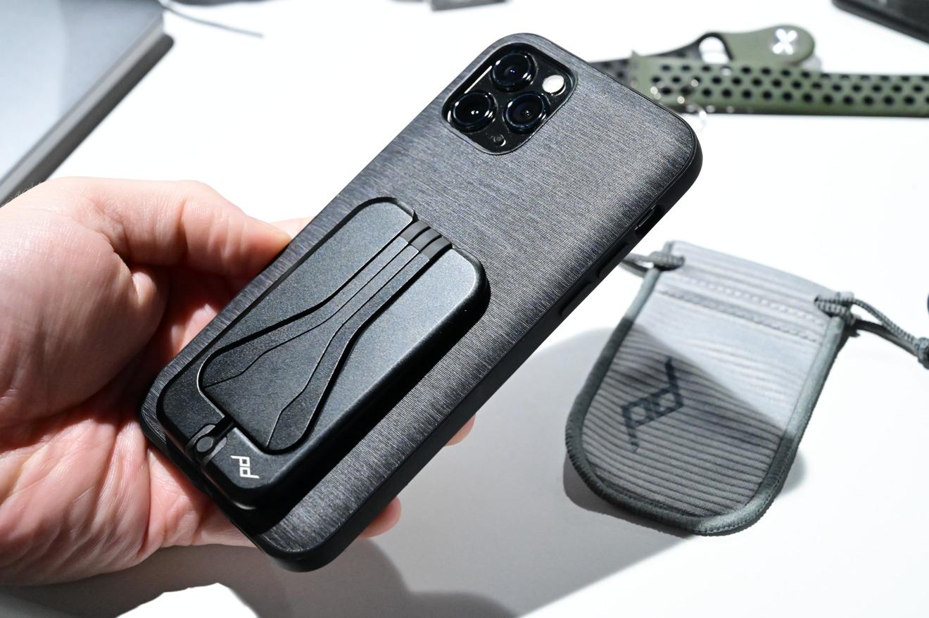 Peak Design Mobile Tripod on the Everyday Case