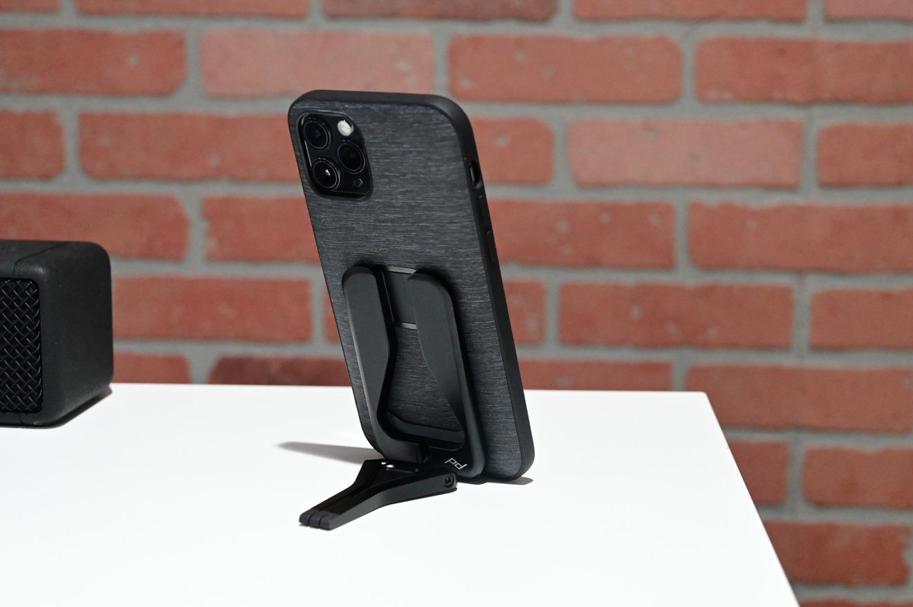Peak Design Mobile kickstand mode