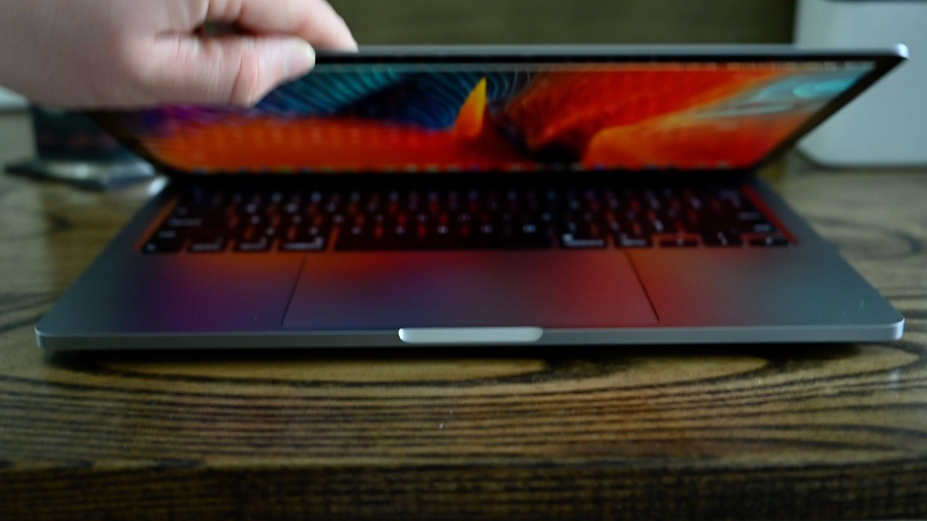 The MacBook Pro is thicker than the MacBook Air, but it has its own small advantages.