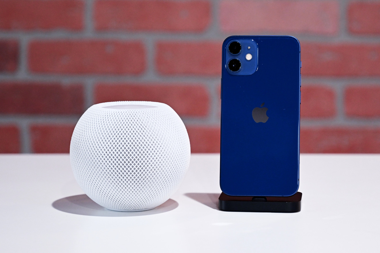 HomePod mini next to iPhone 12 mini