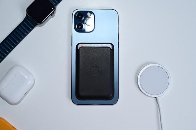 Apple's MagSafe wallet is fantastic