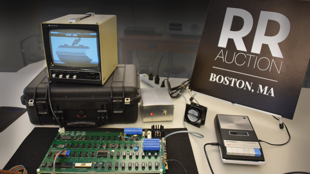 photo of Functioning Apple I with box signed by Steve Wozniak going up for auction image