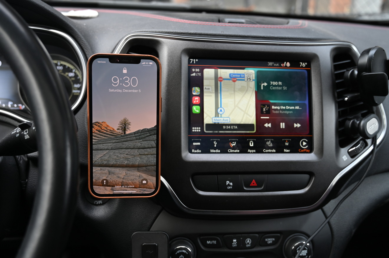 Using our iPhone 12 Pro Max with the Belkin Car Mount Pro and wireless CarPlay