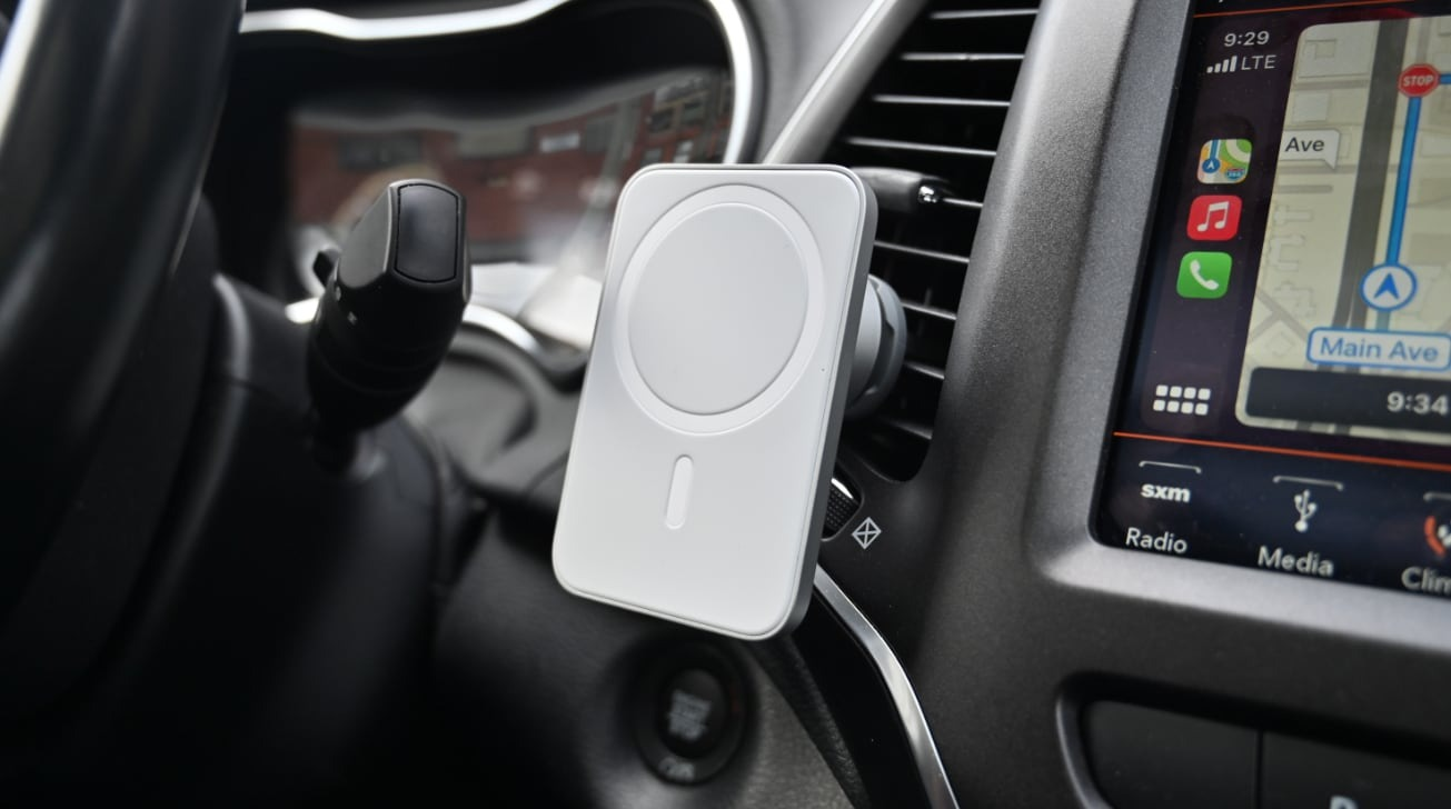 photo of Review: Belkin's MagSafe Car Vent Mount Pro isn't as 'pro' as we'd like image