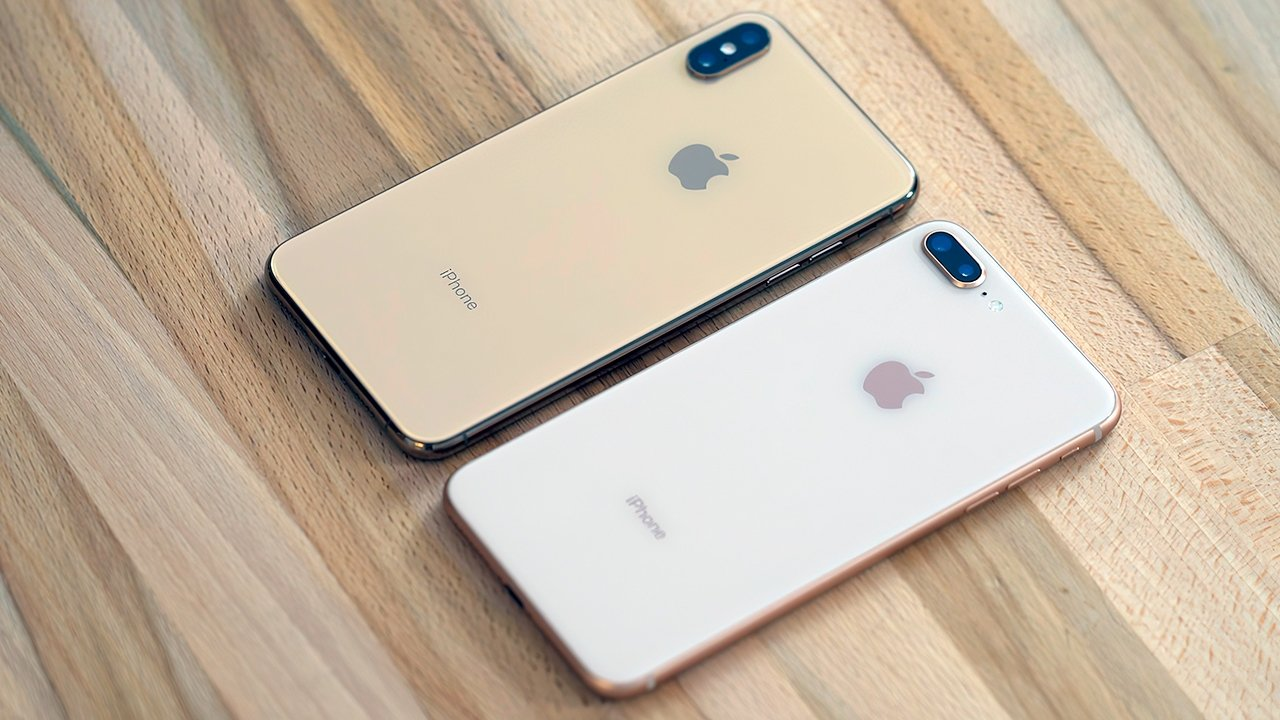 The 2018 model (L) and iPhone 8