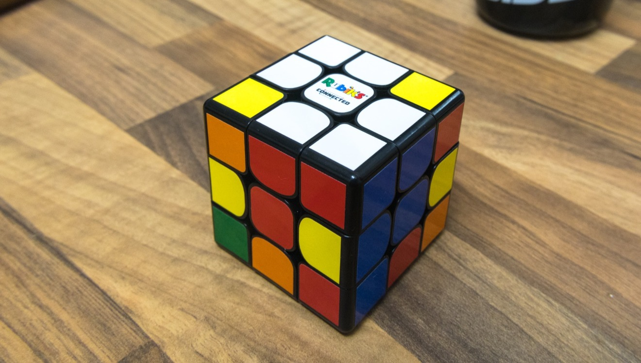 The curved inner corners of each side make it easier to twist the cube.