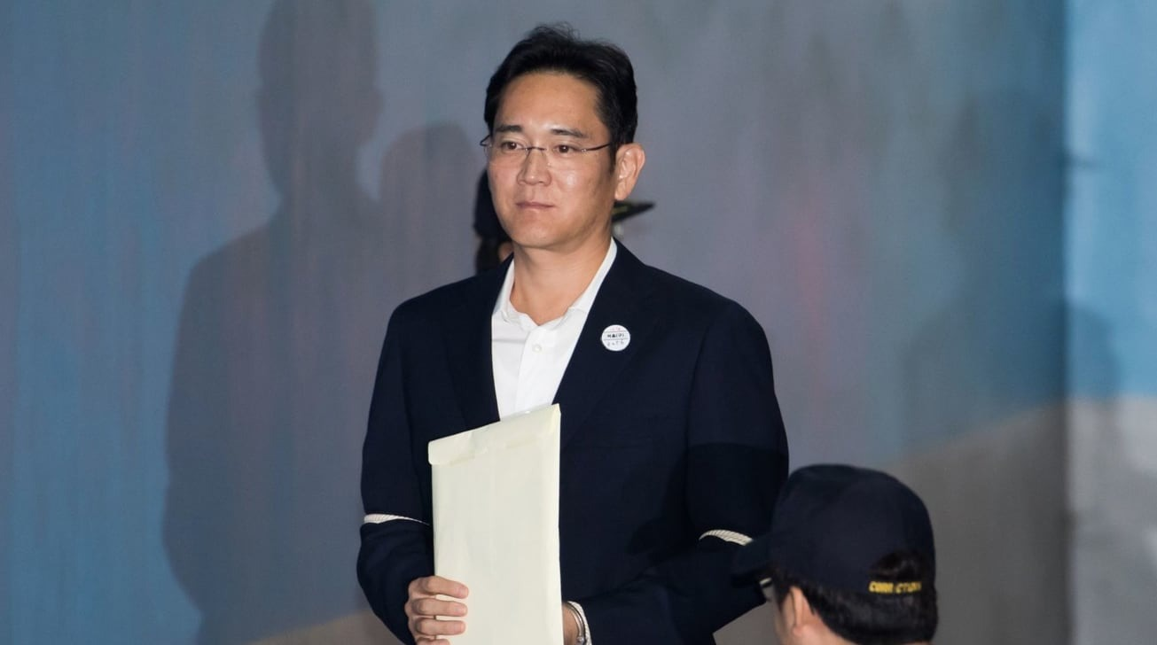 photo of Samsung heir returns to prison over South Korean bribery scandal image