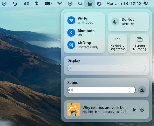 Вы можете включить AirDrop в Центре управления macOS Big Sur.