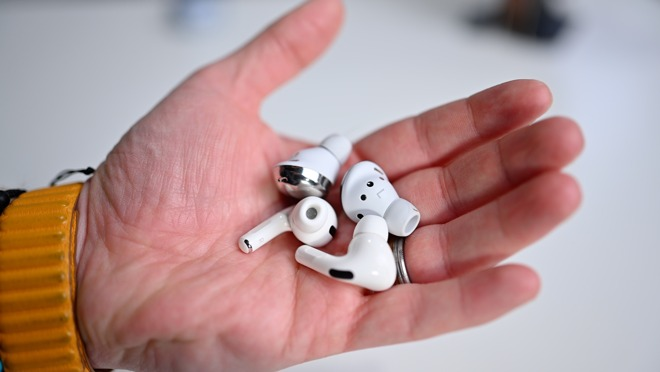 AirPods Pro and Galaxy Buds Pro