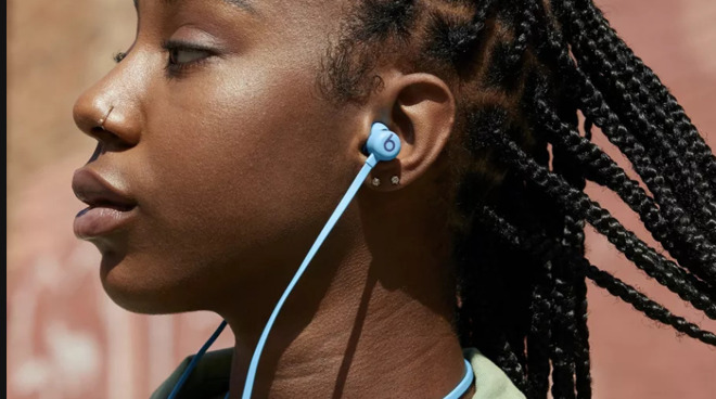 The promised Flame Blue color Beats Flex are now available