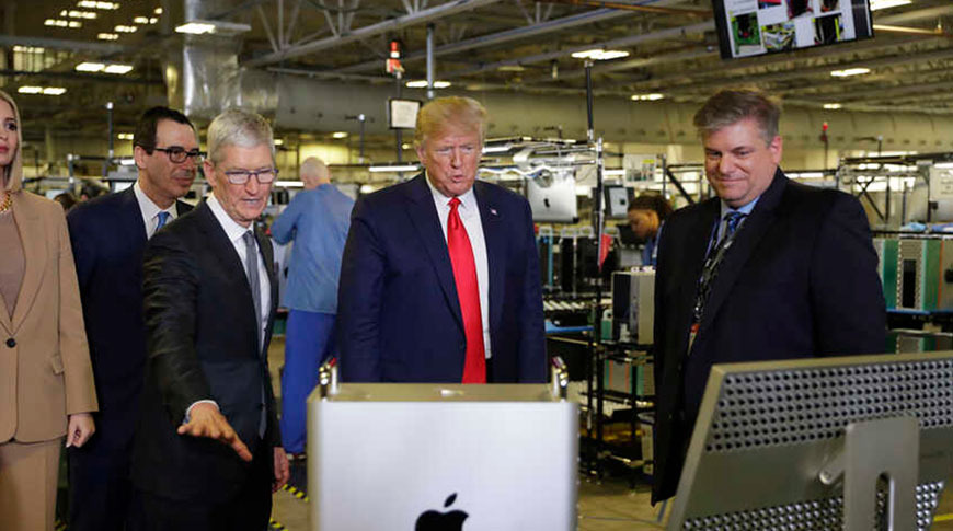 Cook's gift: Trump owns the first Mac Pro made in the USA