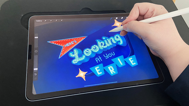 Users can rest their hand to the side of their iPad, allowing them to utilize the full canvas
