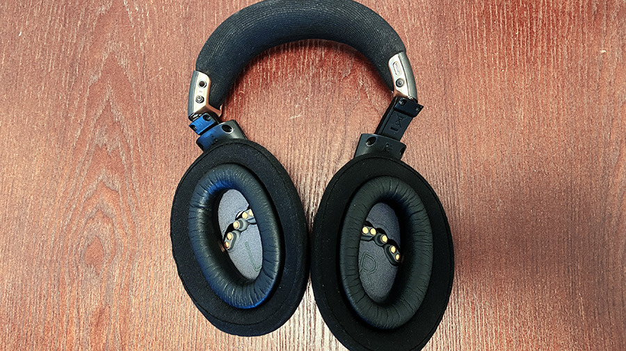 The plush ear cups and stuffed headband make these very comfortable for all-day wear