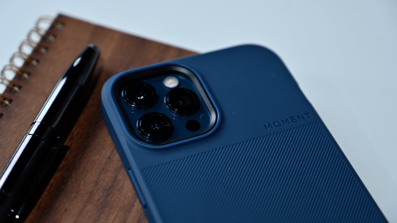 Moment's blue thin case with MagSafe