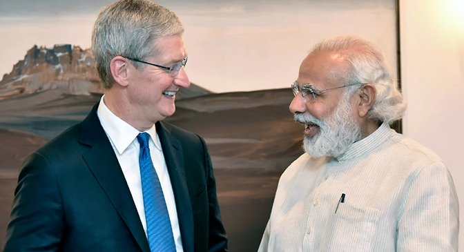 Tim Cook meeting with with India Prime Minister Narendra Modi