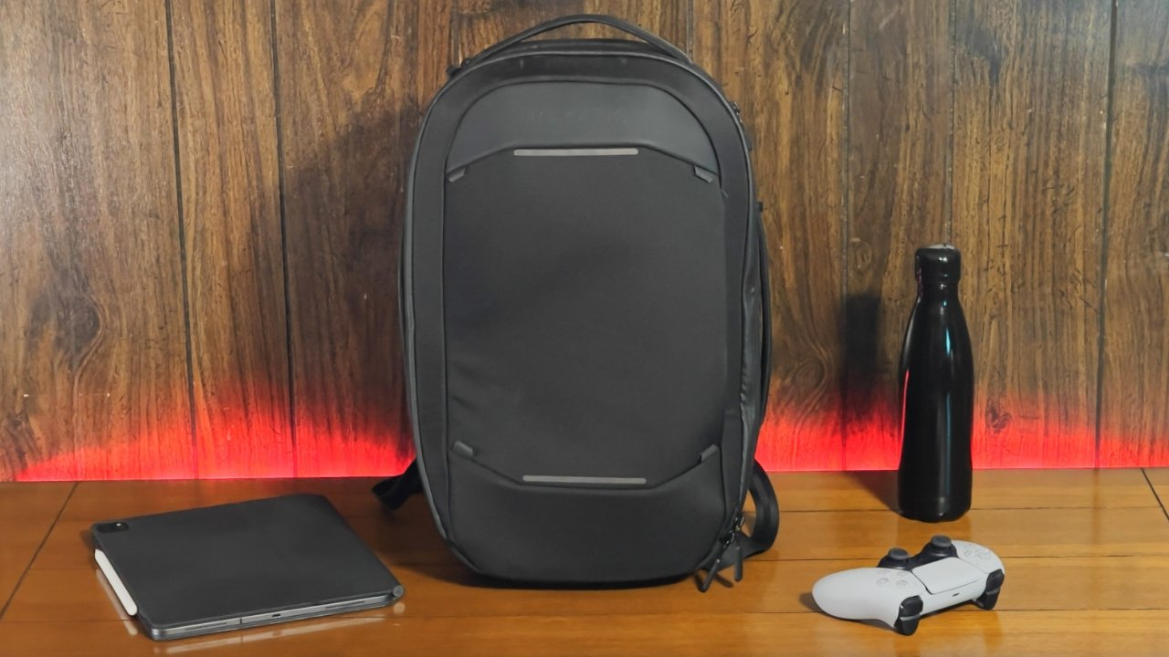 The Nomatic 15L Backpack will expand to meet your needs