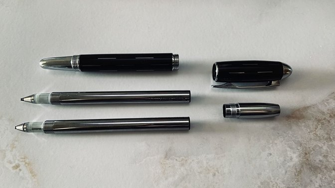 The two different barrels alongside the disassembled Adonit Prime stylus