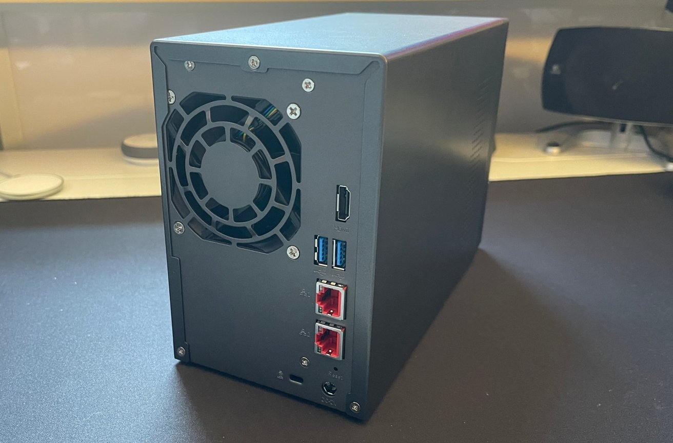 While it uses a small fan, the back of the Lockerstor 2 proudly displays a great port selection.