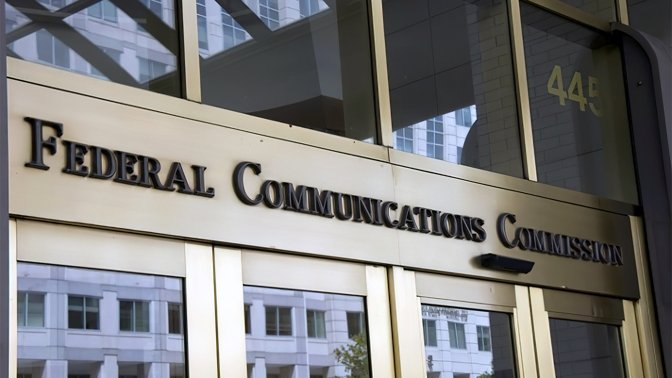 The FCC will auction off a portion of midband 5G spectrum in October 2021
