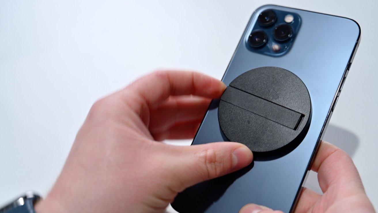 Зарядное устройство ESR Kickstand