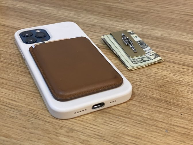 The wallet aligns perfectly with the back of the iPhone when attached.