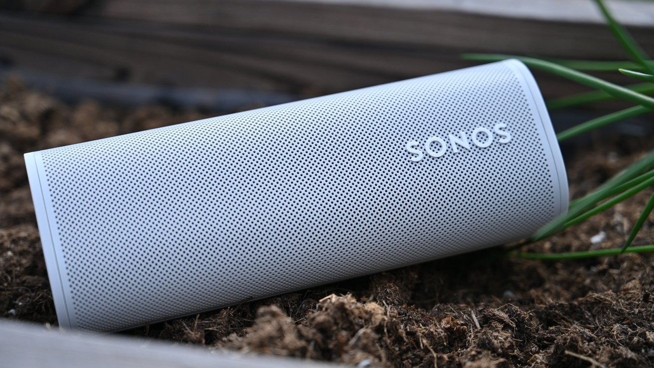 Sonos Roam in the outdoors