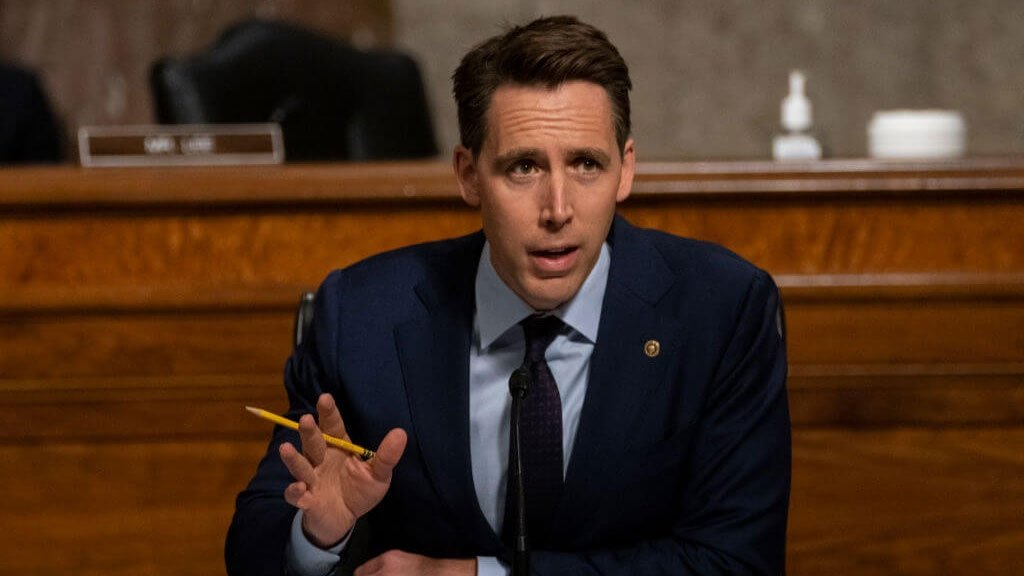 photo of US Senator seeks to ban Big Tech mergers and acquisitions image