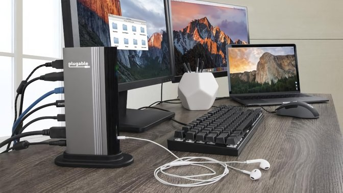 Plugable single monitor hub