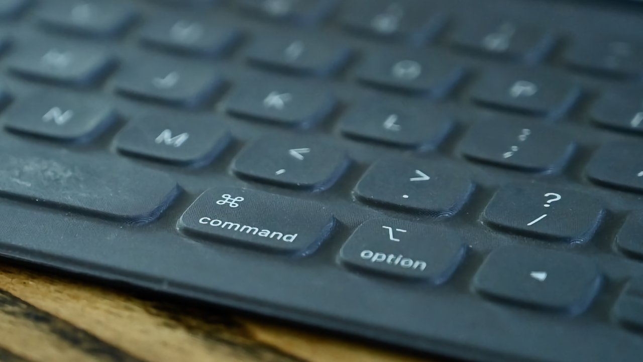 Future Smart Keyboards could effectively have backlighting