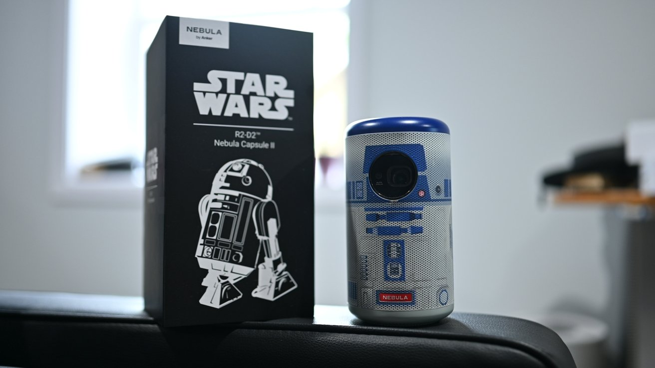 R2-D2 Nebula Capsule II in its packaging
