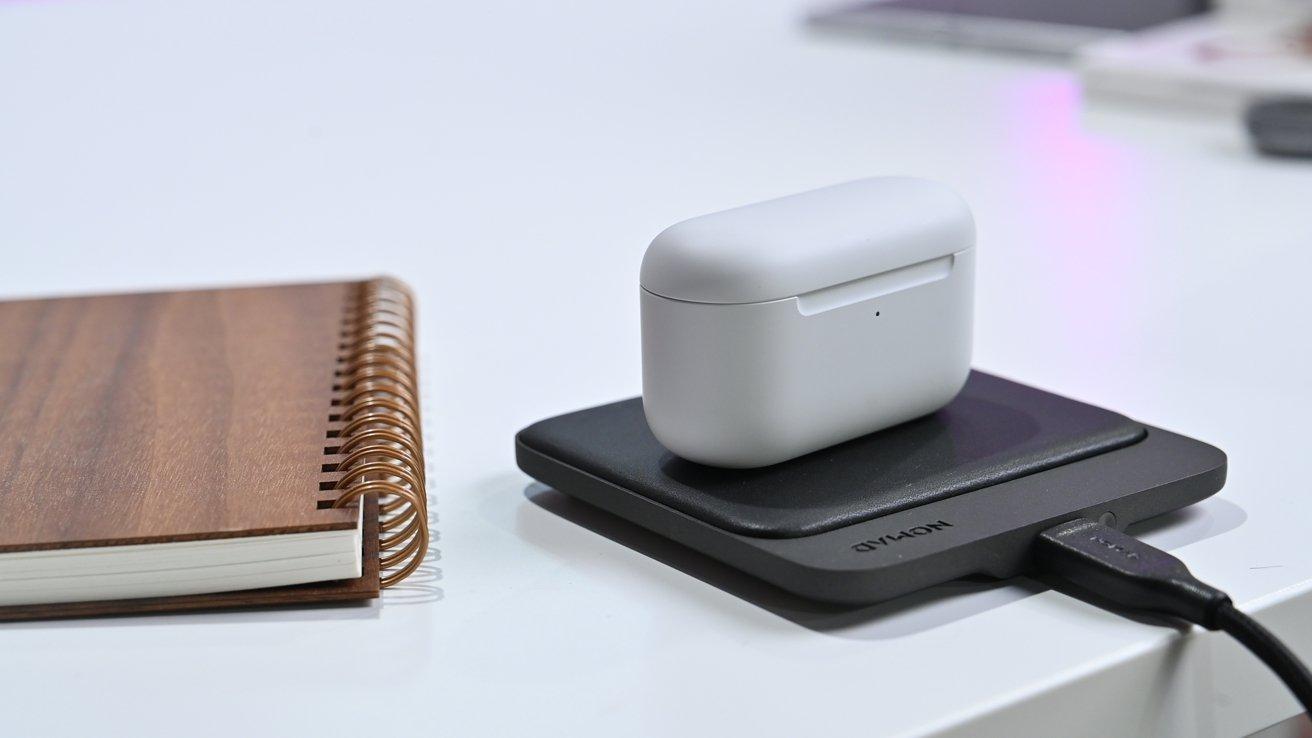 Wireless charging Echo Buds