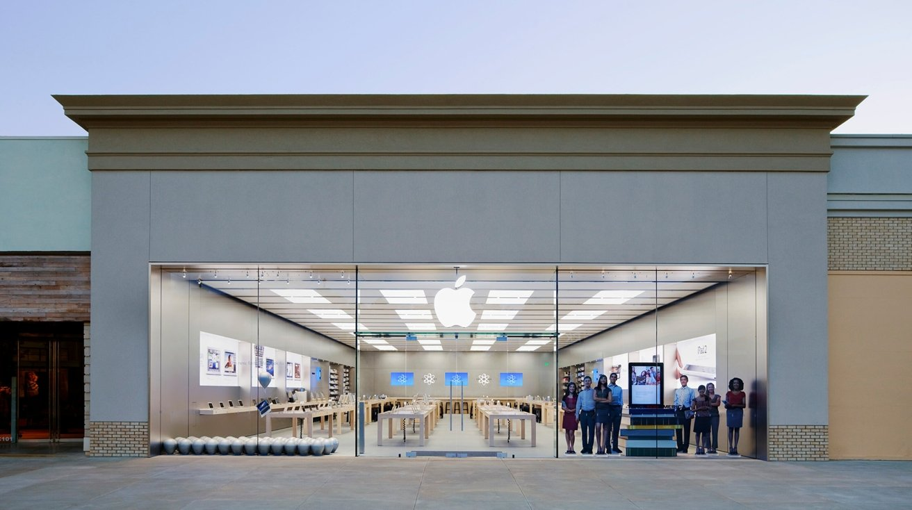 Apple Store at The Promenade at Chenal in Little Rock