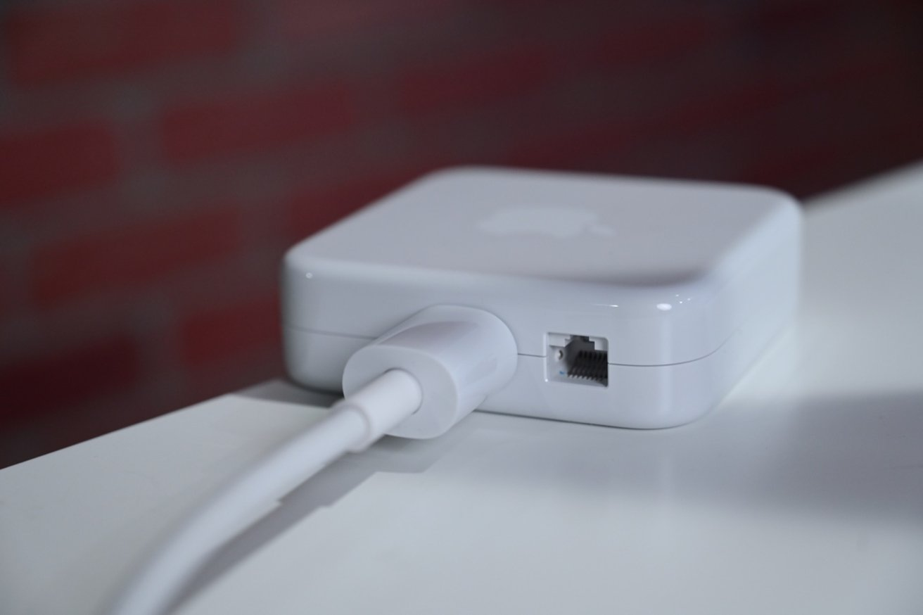The base tier doesn't have Ethernet in the power brick by default. The upper tier models do.