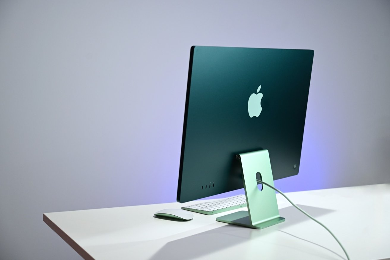 In three words, the 24-inch iMac can be summed up as thin, colorful, and powerful.
