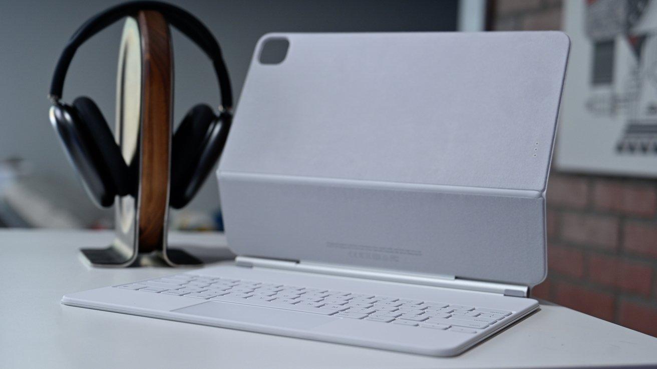 The new white Magic Keyboard