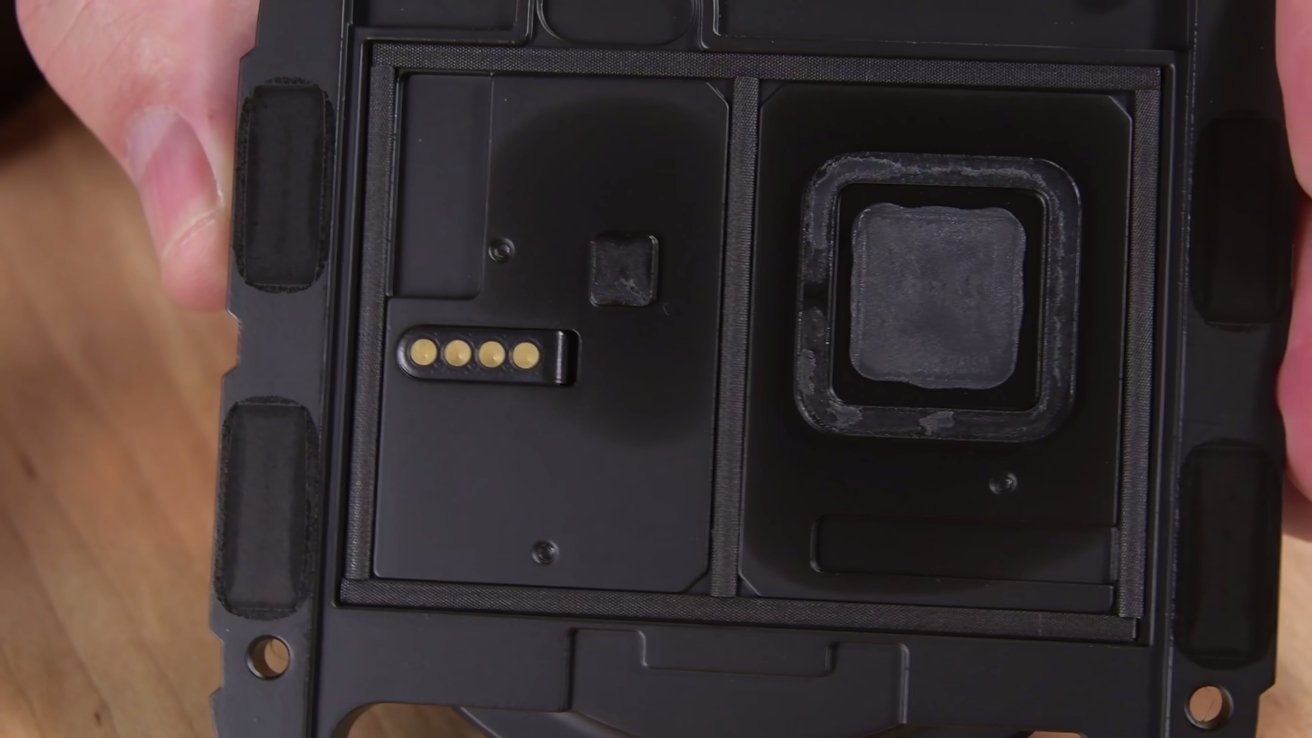 Fan contacts on the Apple TV 4K - image courtesy iFixit