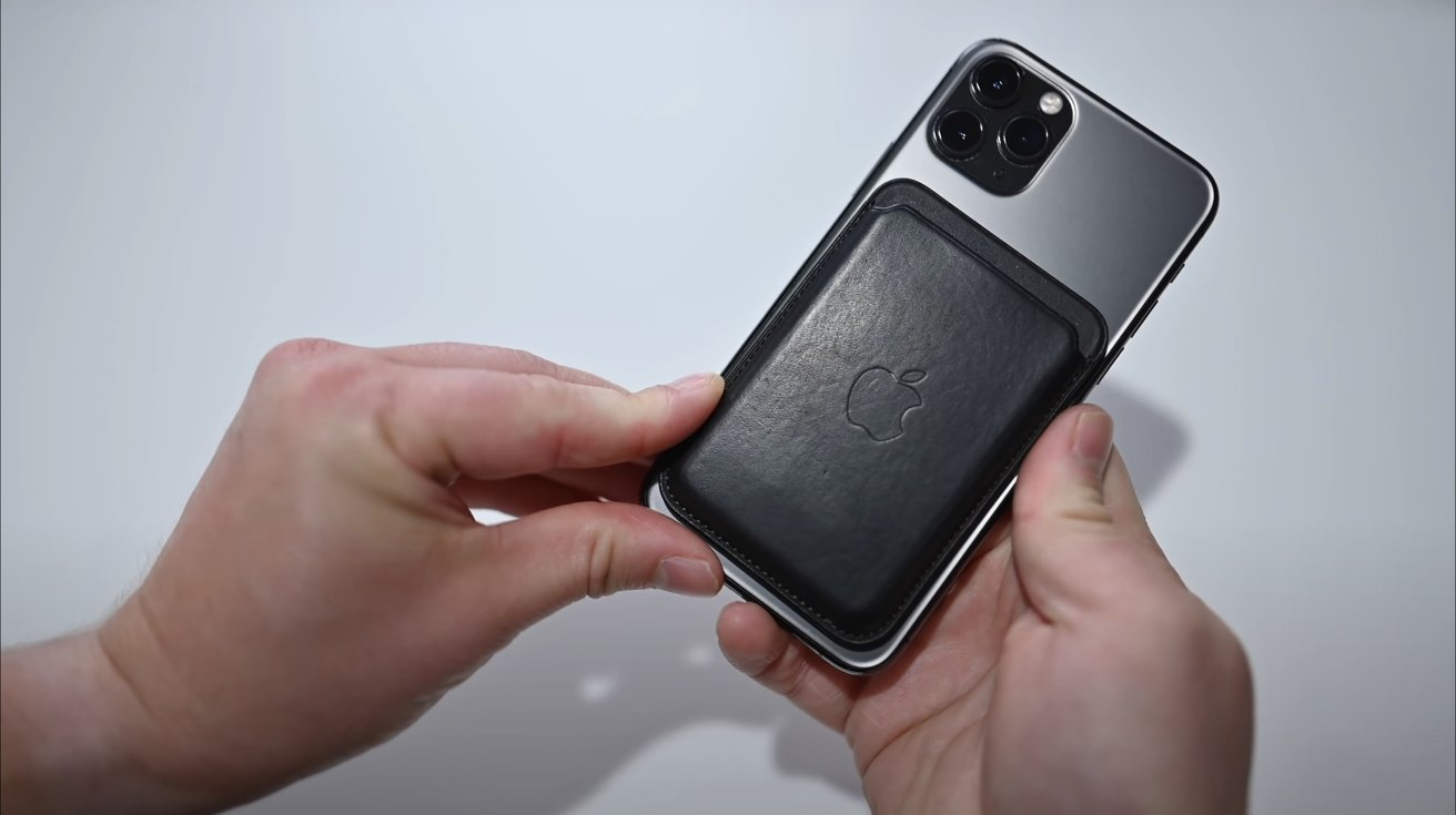 MagSafe wallet