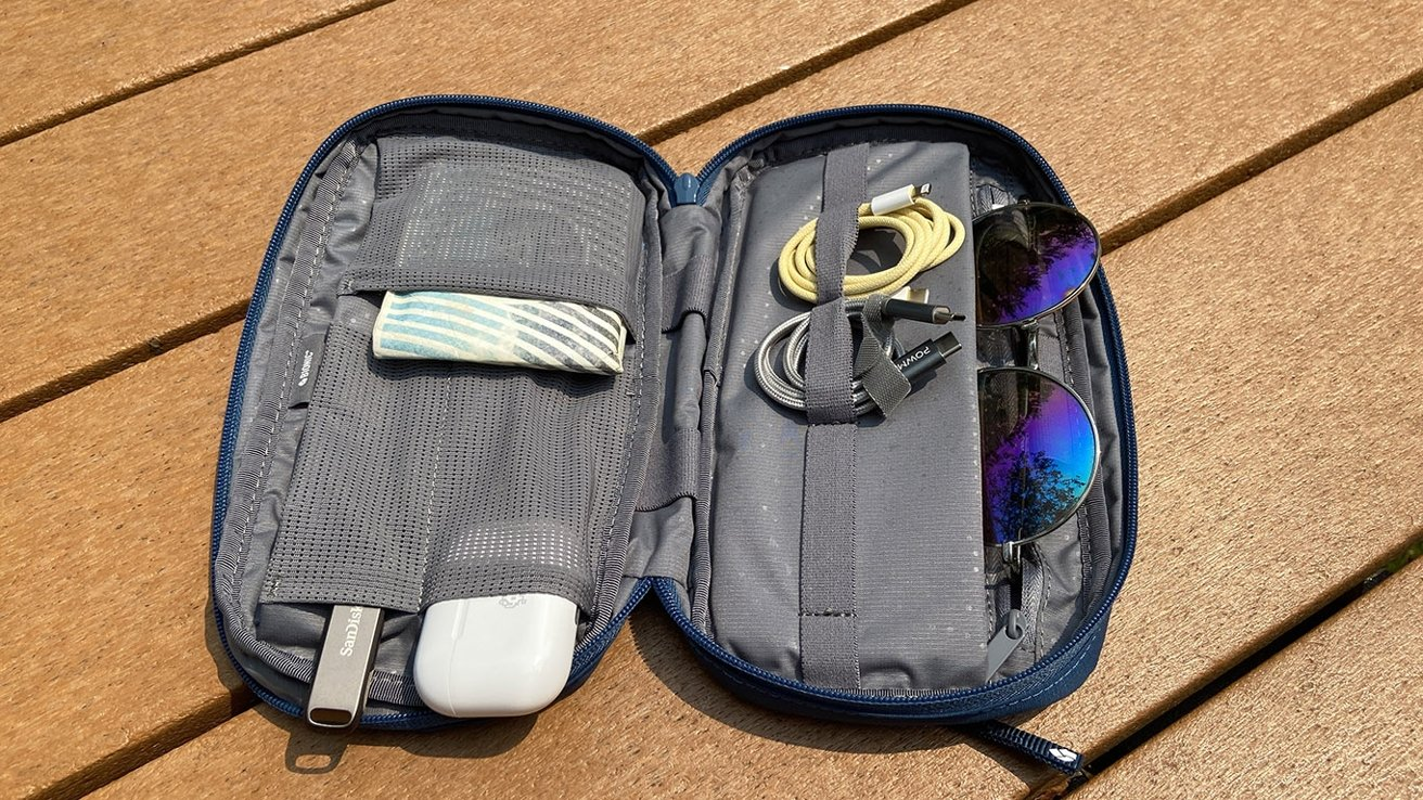 The accessories bag is a great way to keep small items organized