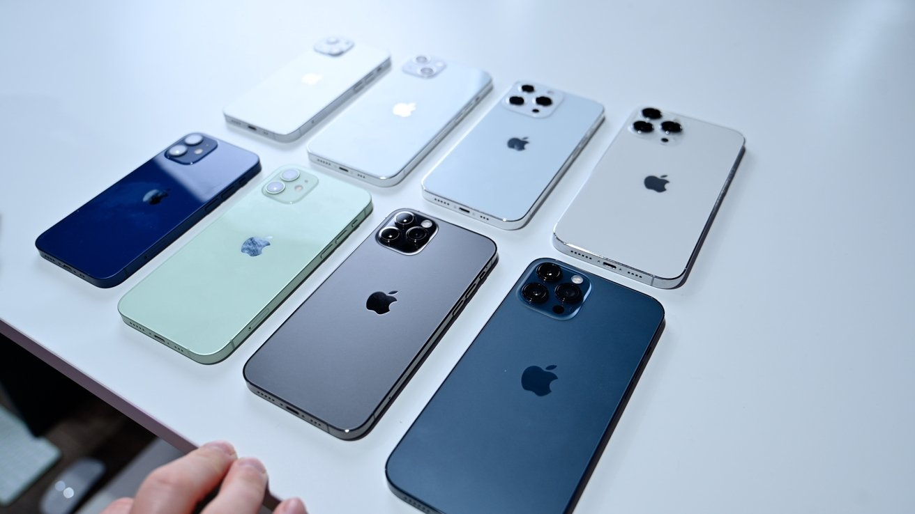 Comparison of iPhone 12 lineup to iPhone 13 lineup