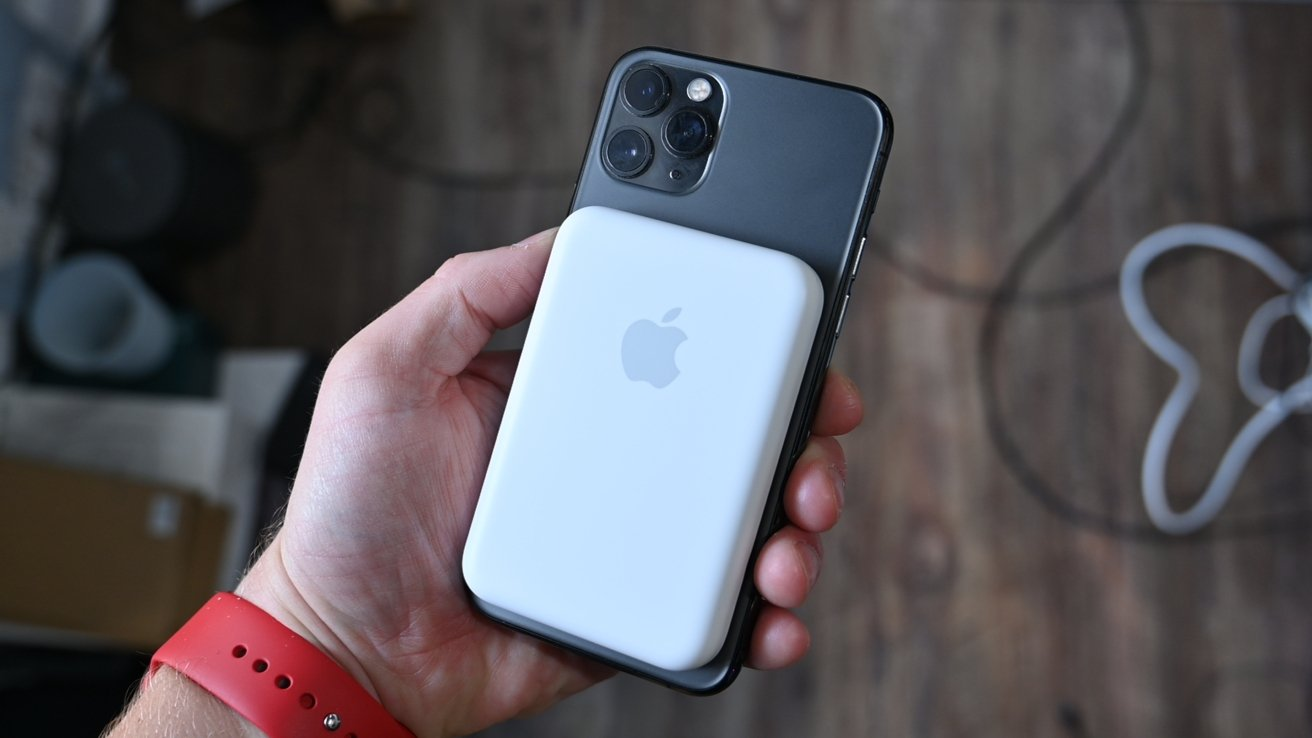 MagSafe Battery Pack on iPhone 11 Pro