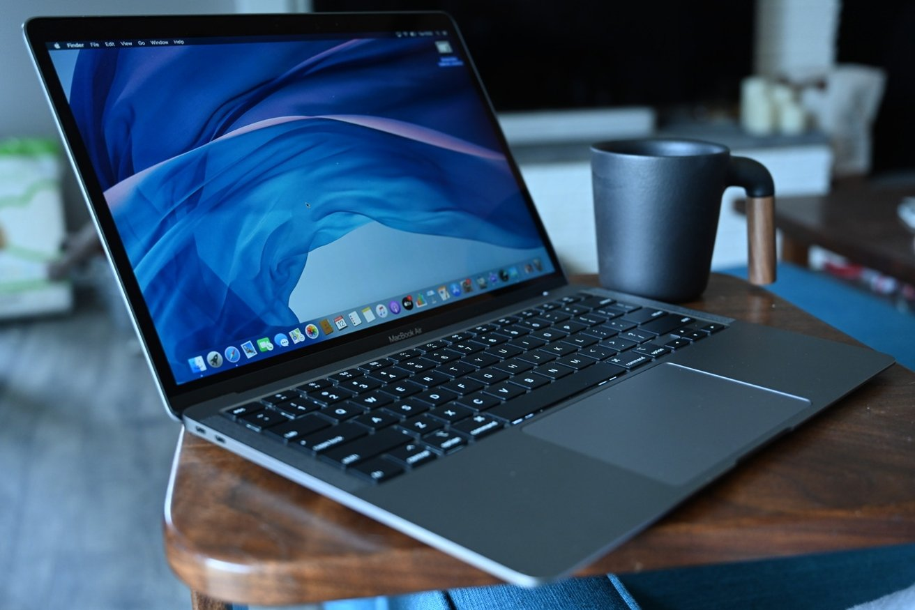 M1 MacBook owners complain of easily cracked screens