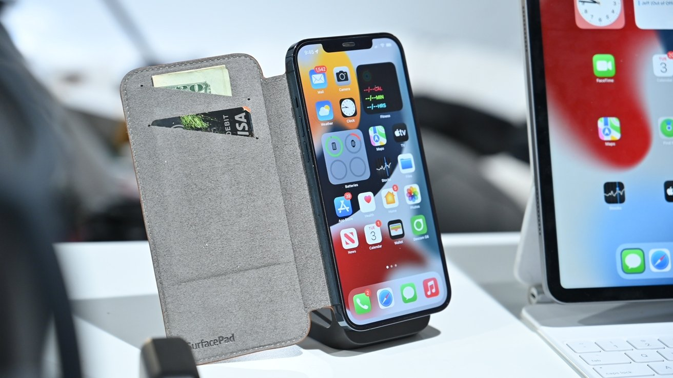 SurfacePad open on mount hits the desk