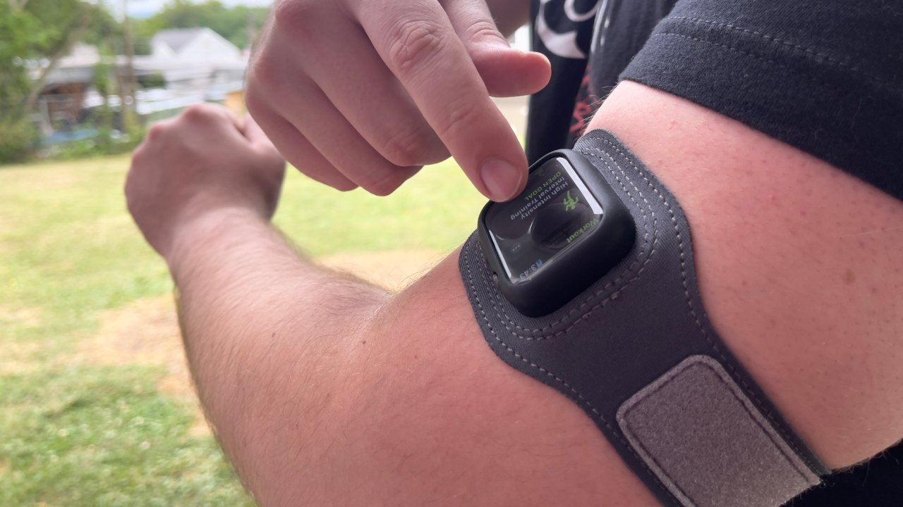 The Apple Watch is still fully usable while being worn on the bicep
